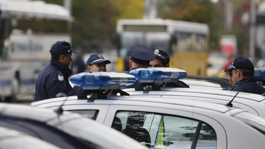 Въоръжен мъж обра пощата в Локорско