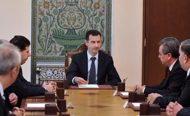 Западът се готви за въздушни удари по Сирия