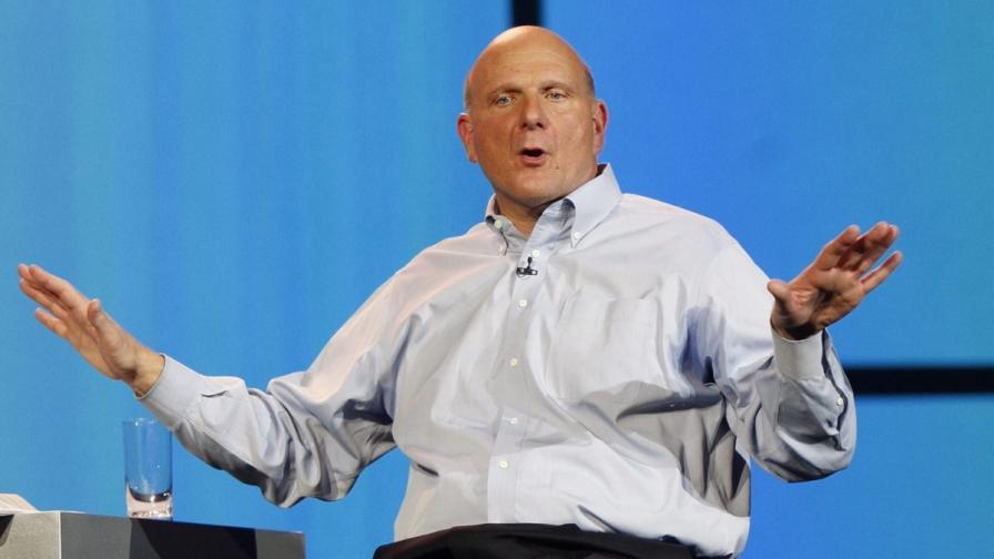 """Шефът на """"Майкрософт"""" се оттегля"""