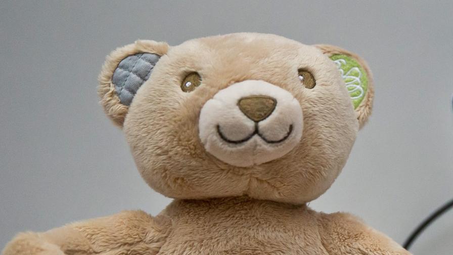 Как да дарите играчка за дете в нужда