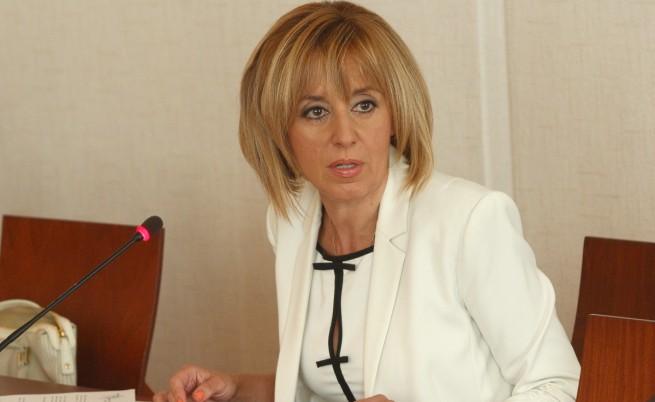 Мая Манолова: Няма задкулисни договорки с ГЕРБ