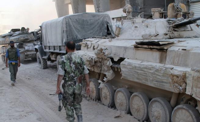 Дамаск чака въздушните удари, но не твърде скоро