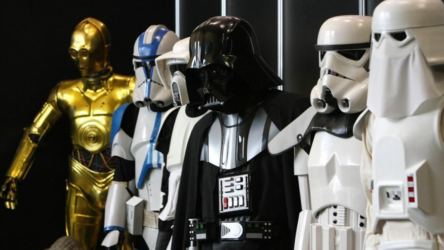 """Еуфория около """"Междузвездни войни"""", билети стигат $8000"""