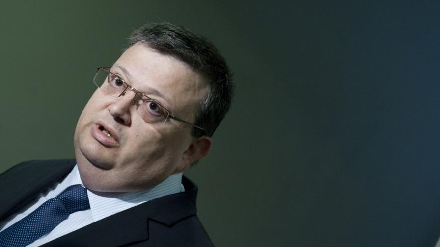 Цацаров: Не съм политик, за да ми мерят рейтинга