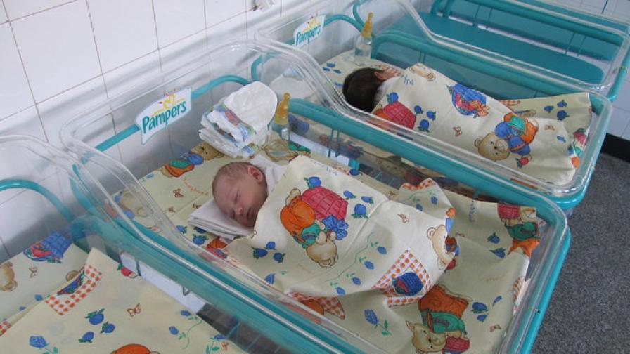 """Бебе, тежащо 5,250 кг се роди по нормален път в Първа АГ """"Св. София"""""""