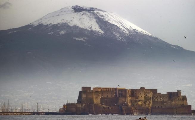 Японски експерт: Везувий ще изригне
