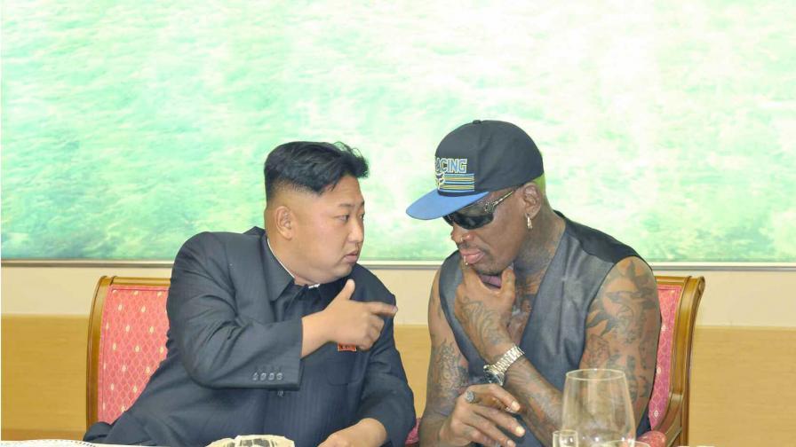 Ким Чен-ун споделя мисли с Денис Родман
