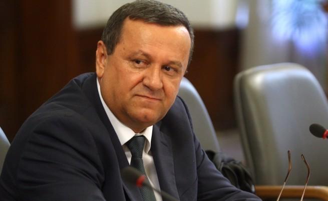 Адемов: Справедливо решение за пенсиите няма