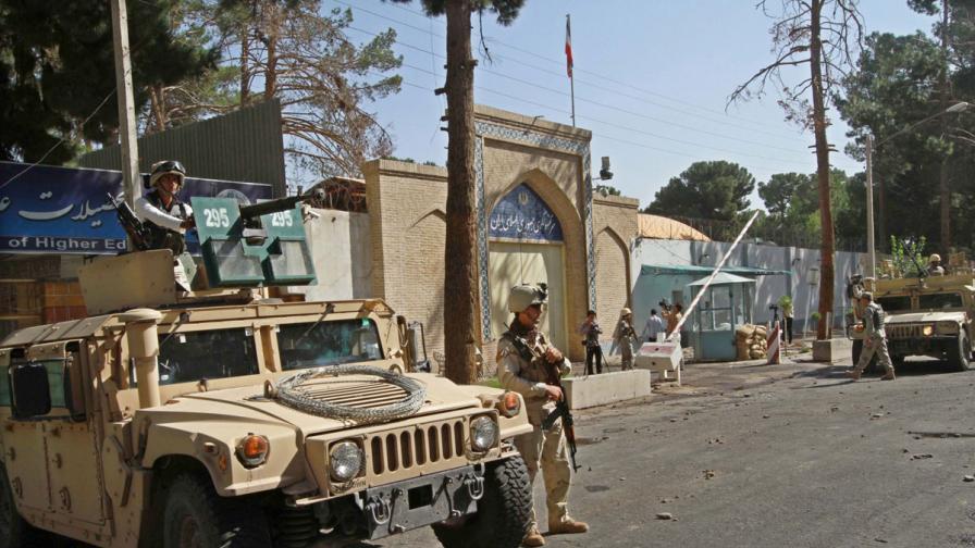 Светът осъжда самоубийствения атентат в Кабул