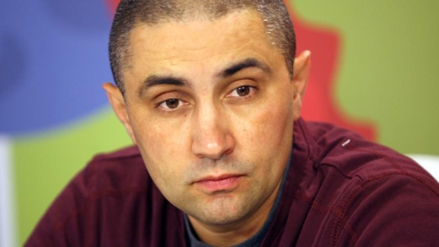 """Асен Генов от """"Протестна мрежа"""": Манолова да докаже, че сме платени"""