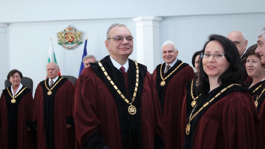 Конституционният съд ще решава след седмица казуса с Делян Пеевски