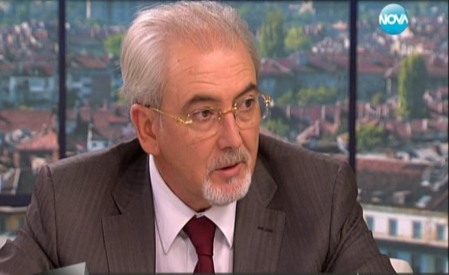 Местан: Президентът да каже кои са олигарсите