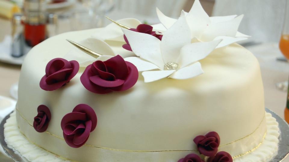 Колко може да е скъпа една сватбена торта?