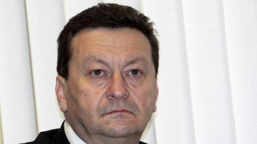 Червен депутат: Токът няма да поскъпва до лятото