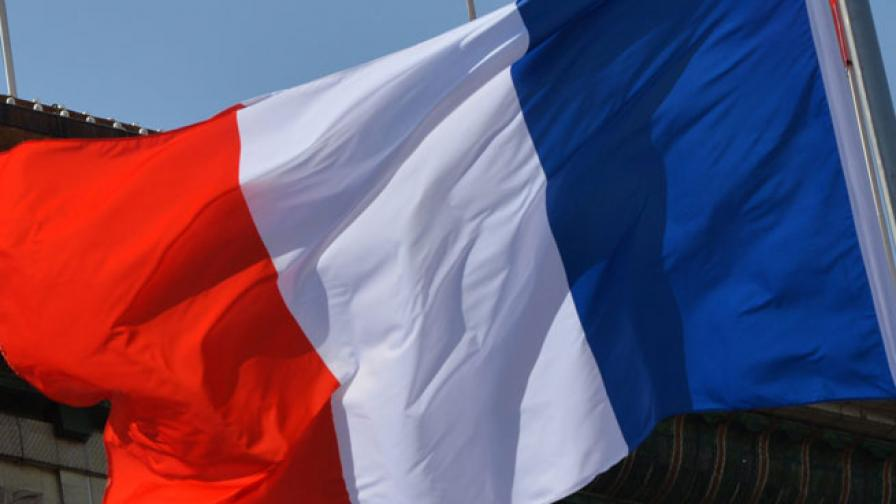 """Фич"" понижи кредитния рейтинг на Франция"