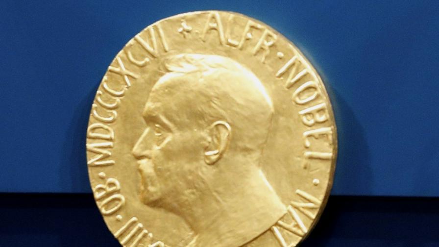 <p>Трима учени спечелиха <strong>Нобеловата награда за физиологияили медицина</strong></p>