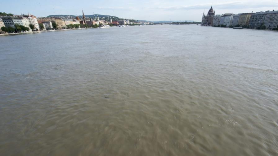 Нивото на река Дунав бавно се покачва