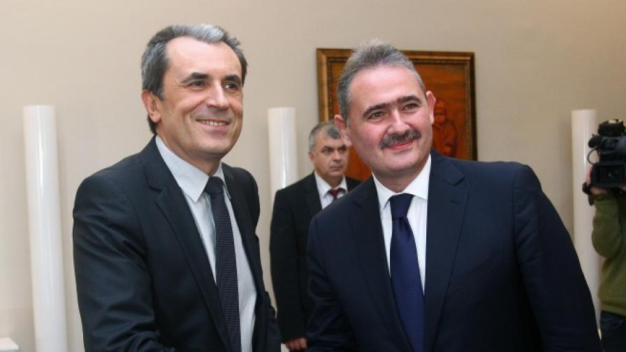Премиерът Пламен Орешарски се срещна с вицепрезидента на Европейската инвестиционна банка Михай Танасеску