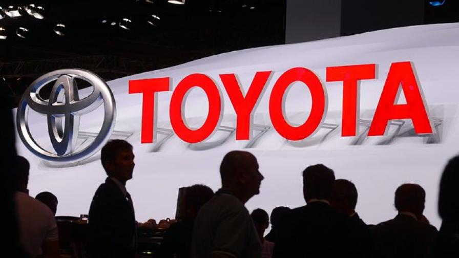 Тойота пуска масово автомобили с автоматично управление