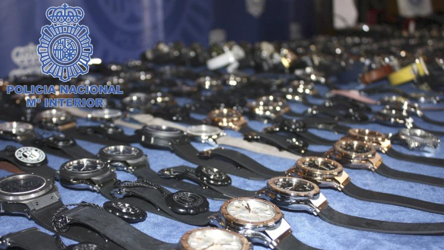 Испания: Арестуваха 17 души за голяма кражба на скъпоценности