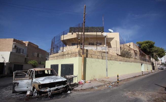 Две години след Кадафи призракът на гражданската война тегне над Либия