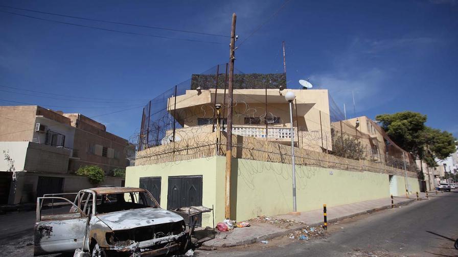 2 г. след Кадафи над Либия тегне призракът на войната