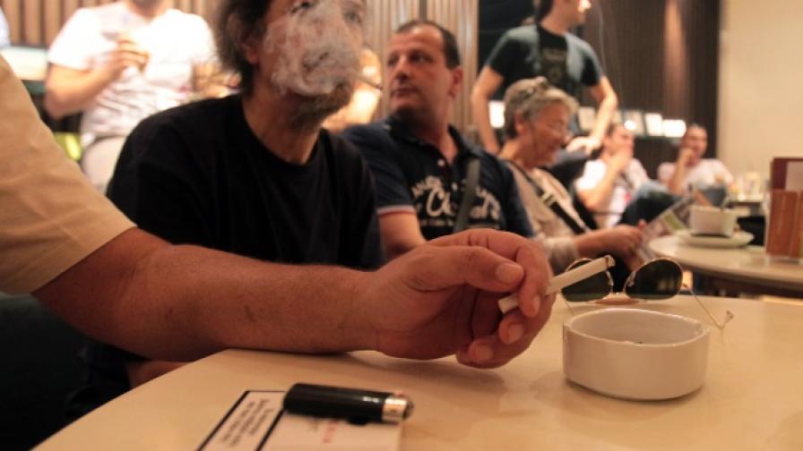 """""""Преса"""": Цигарите поскъпват от догодина"""