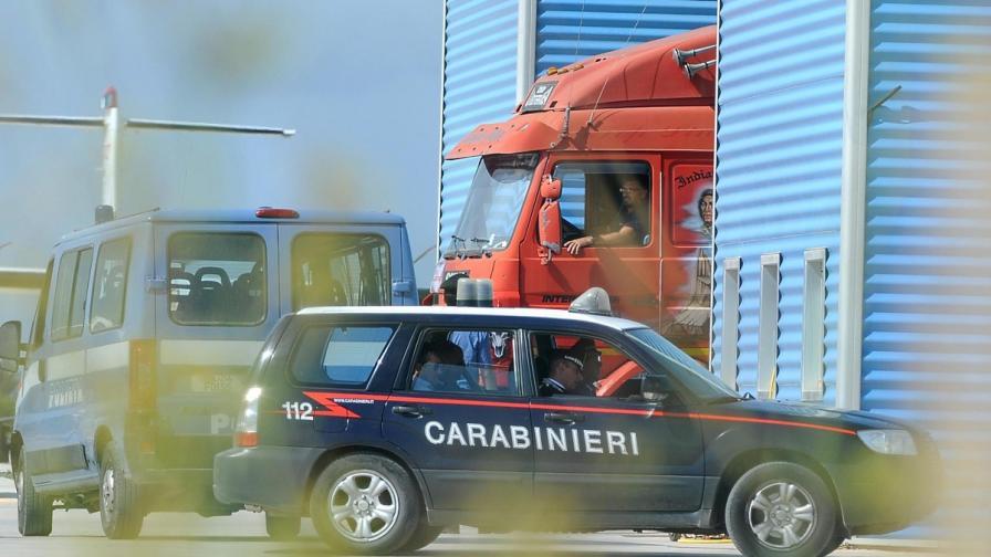 Италия: Арестуваха петима, крали пейсмейкъри на покойници