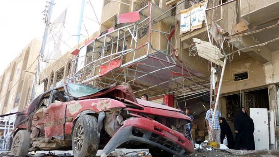 12 души убити при експлозия в Мосул