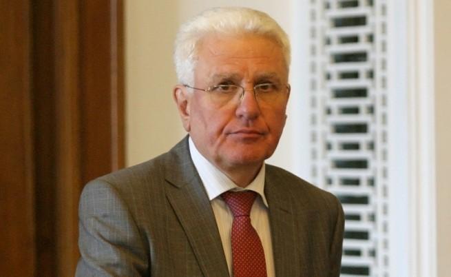БНР: Бисеров е напуснал страната