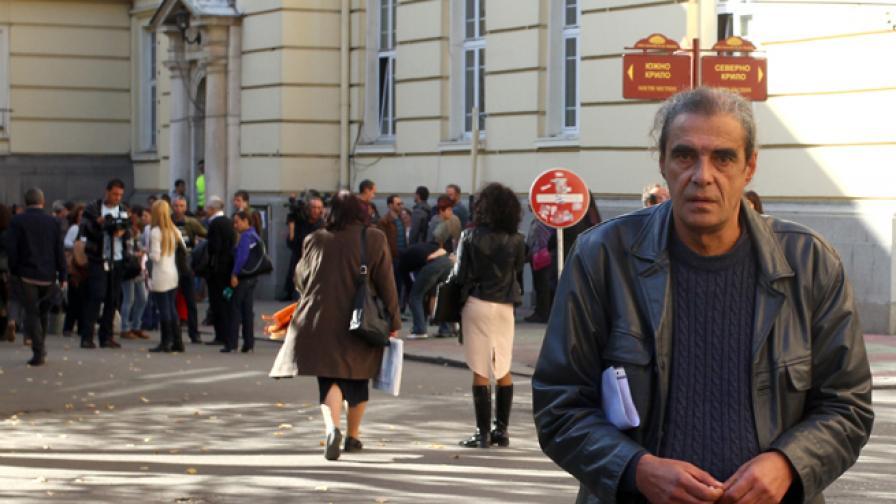 """Проф. Калин Янакиев е един от 500 професори и преподаватели, които подкрепят студентските протести срещу кабинета """"Орешарски"""""""