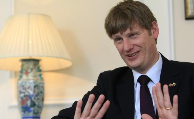 Посланик Алън: Няма дискриминация спрямо българите във Великобритания