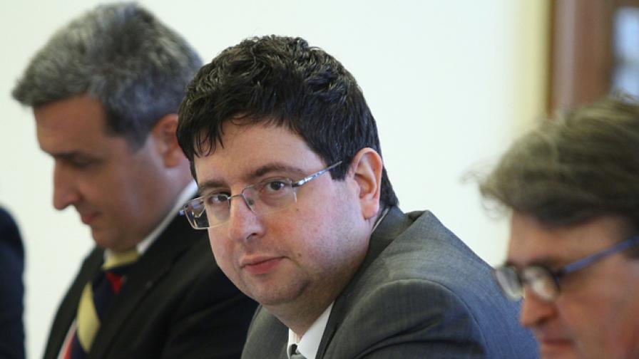 Чобанов: Бюджетът съдържа политика за балансиран модел на растеж