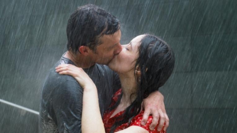 страст дъжд любов целувка