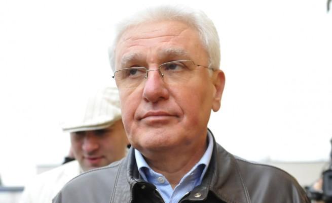 Христо Бисеров прие призовката си от съда