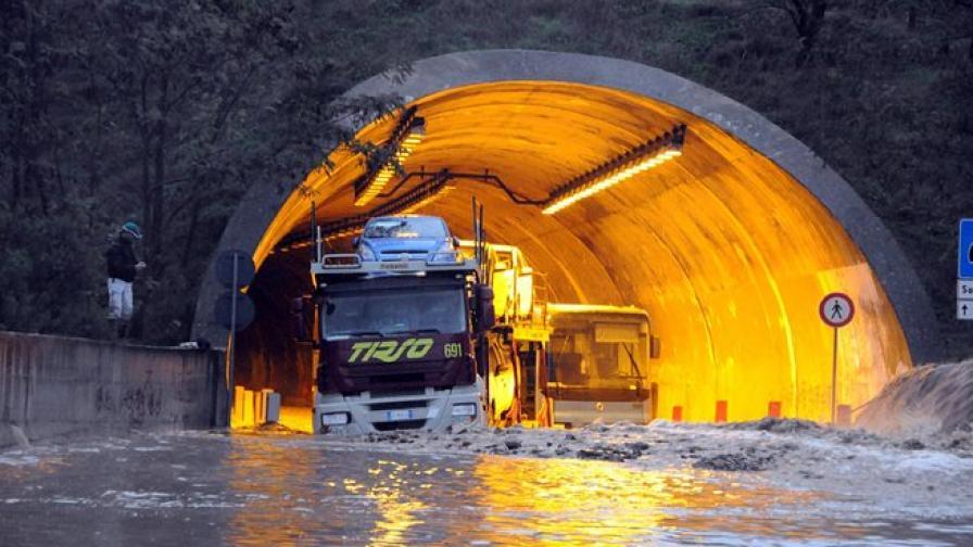 14 жертви на наводненията в Сардиния