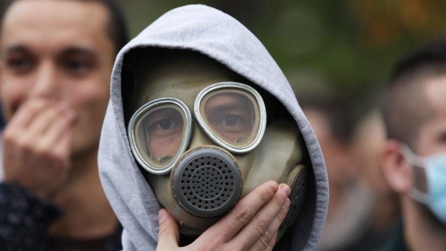 Унищожават сирийските химически оръжия в международни води?