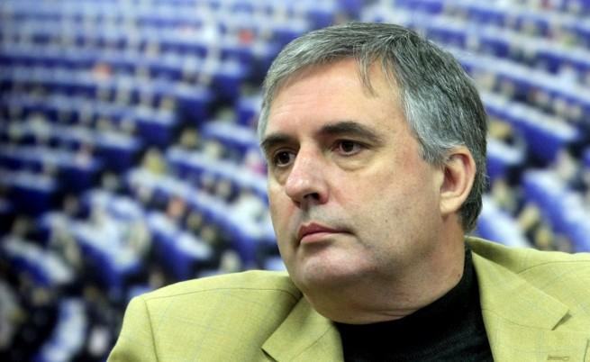 Калфин писа на Камерън заради ограниченията за българи