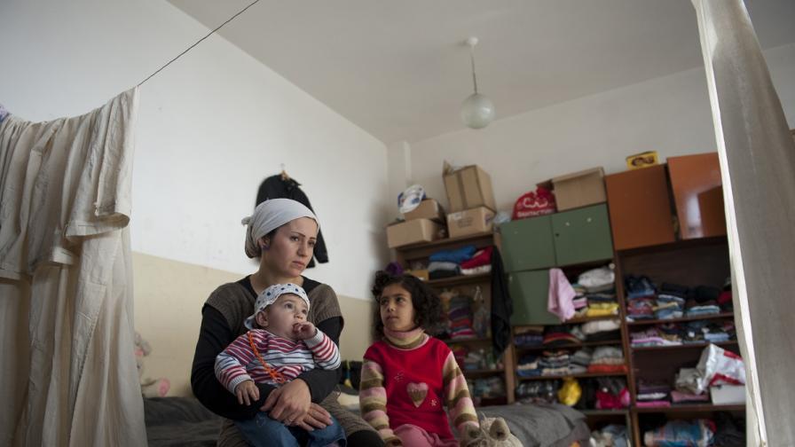"""""""Икономист"""": България се мъчи да се справи с бежанците от Сирия"""
