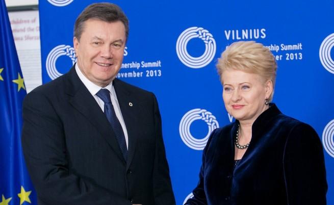 Янукович поискал ЕС и Русия да помагат на Украйна