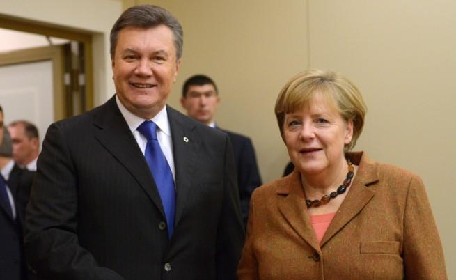 Украинският президент Виктор Янукович и германският канцлер Ангела Меркел