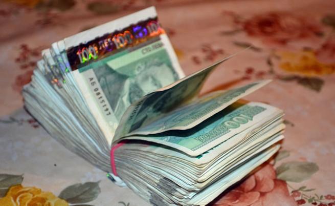Управляващите се споразумяха да намалят партийните субсидии с до 10%