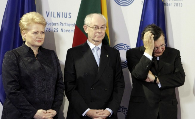 Украйна не подписа с ЕС, обеща обаче да го стори скоро