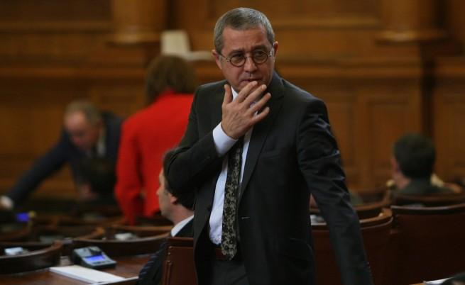 Цонев: Партийната субсидия замества обръчите от фирми