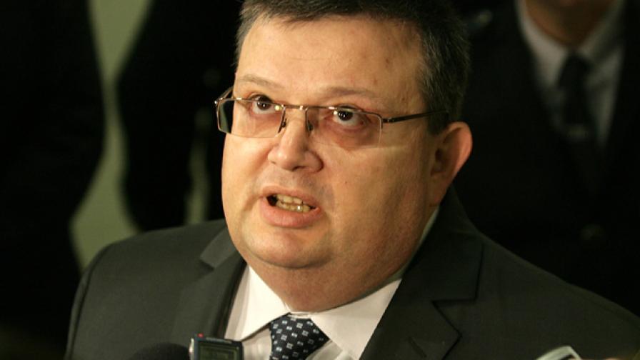 Цацаров: Трудно ще стигнем до нарушителите