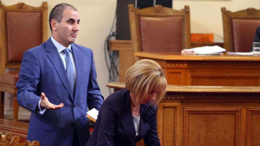 БСП поиска оставката на Цветанов, ГЕРБ - на Манолова