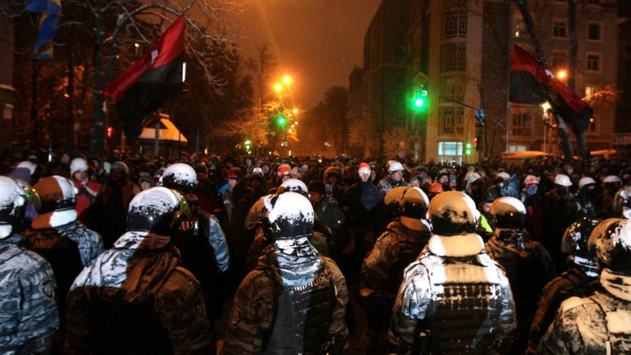 Полицията премахна барикадите в Киев
