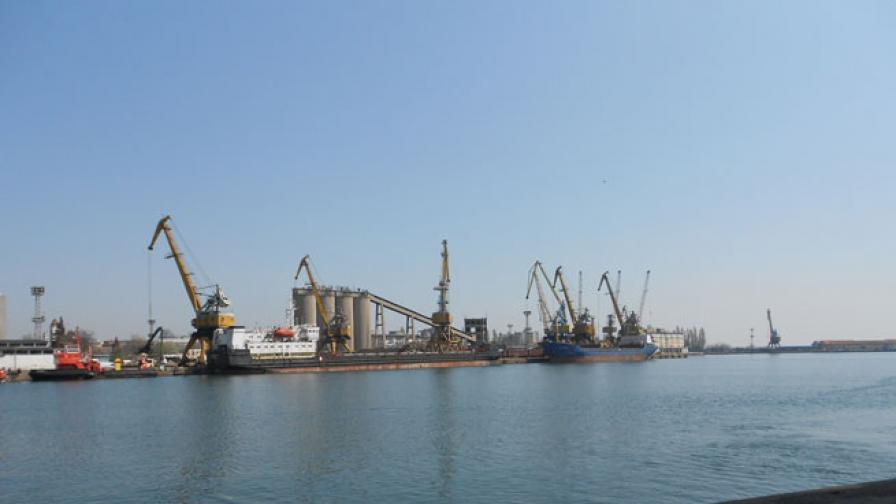 Съкратени са всички работници в бургаската корабостроителница