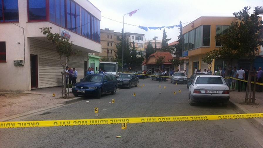 Откриха експлозив в двора на сградата на албанското правителство
