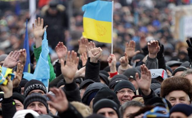 И ЕС, и Русия може да дадат пари на Украйна
